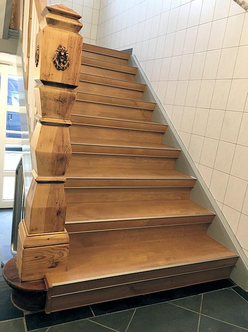 Rustikale Treppe - Nachher